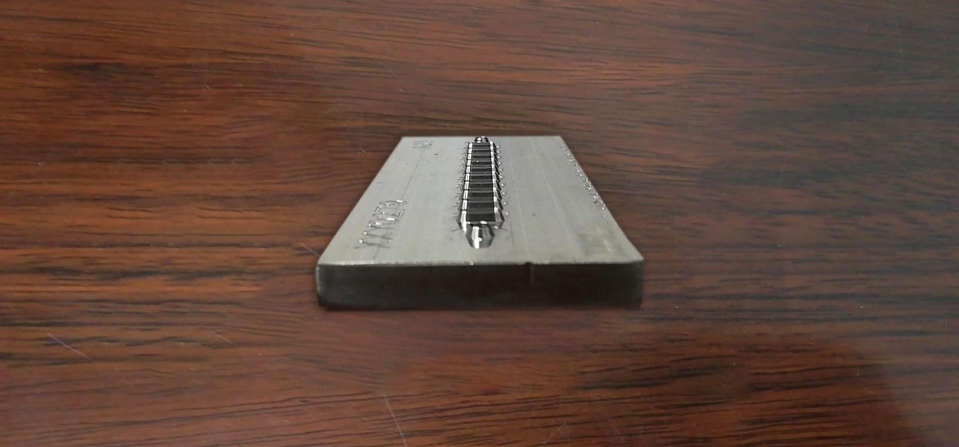 防尘网雕刻刀模
